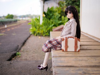 列車を待つ由綺ちゃん