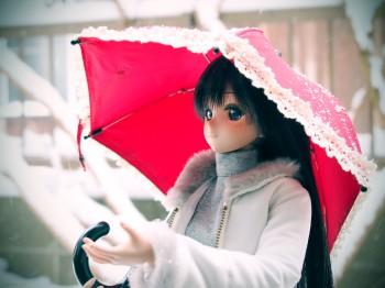 雪と赤い傘と由綺と